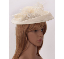 Klobouček Ivory Mesh Hat Feather Fascinator