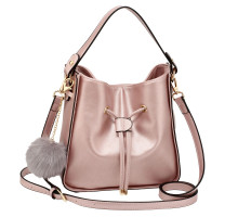 Kabelka Champagne Drawstring Tote Bag With Faux-fur Bag Charm