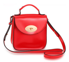 Kabelka Red Flap Twist Lock Cross Body Bag