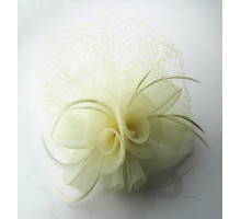 Ozdoba do vlasů Beige Feather and Mesh Fascinator on Comb