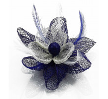 Ozdoba Navy/White Feather and Mesh Flower Fascinator