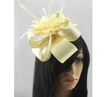 Ozdoba- Ivory Feather Fascinator on Comb