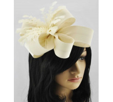 Ozdoba do vlasů Ivory Feather & Flower Fascinator