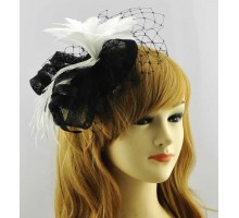 Ozdoba do vlasů Black /White Mesh Hat Feather Fascinator